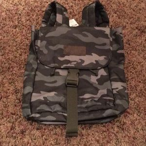 VS camo backpack